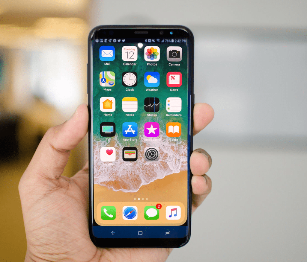 Apple IOS 11 running on Samsung Galaxy S8